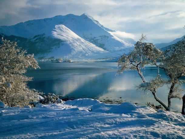 Bellissimo paesaggio invernale Sfondi Desktop (2)