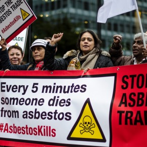 28 aprile 2017: IndustriALL manifesta contro l'amianto a Ginevra – IndustriALL demonstrates against asbestos on 28April